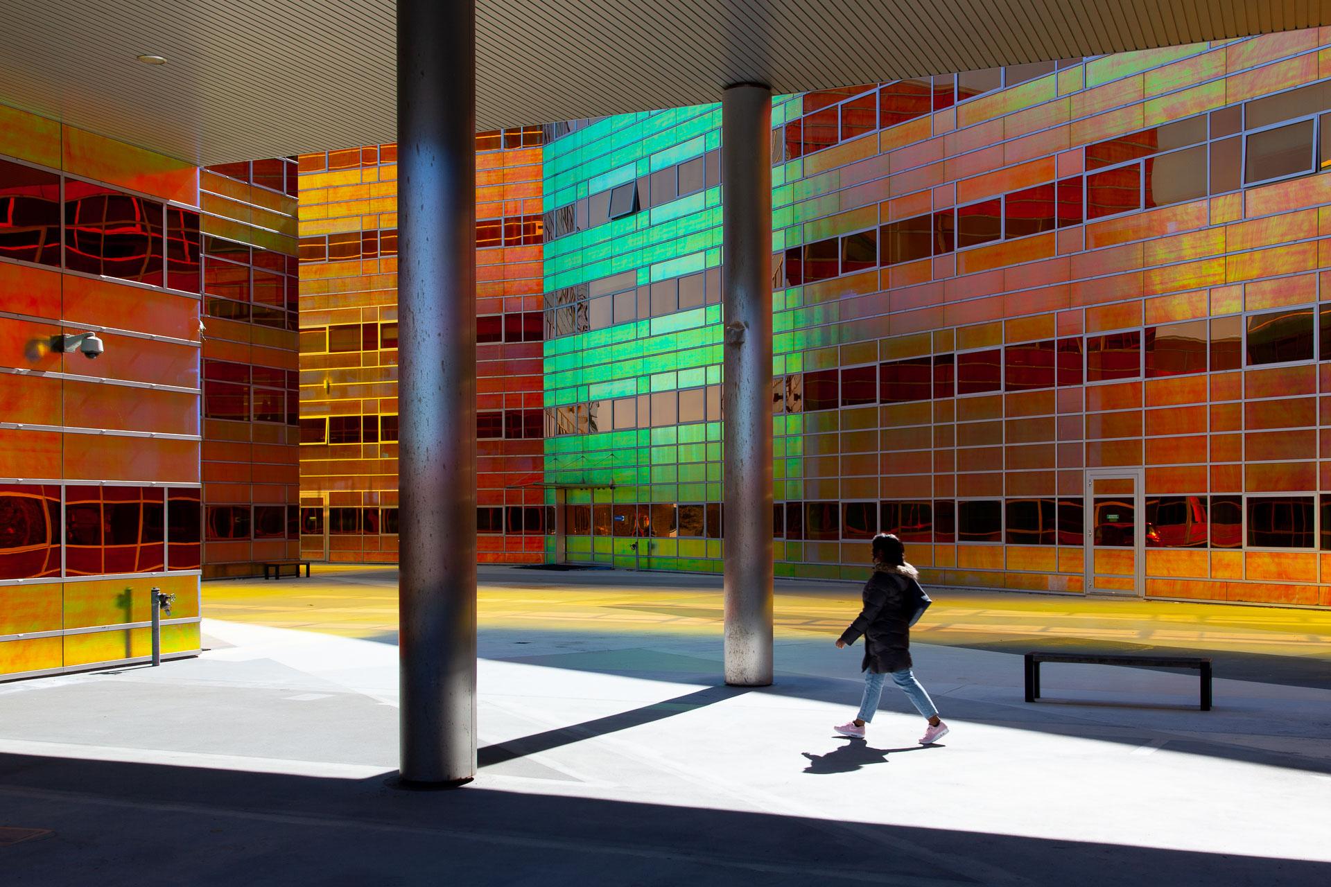 architectuur Almere, UWV, kleurrijk, straatfotografie, gebouw, fotoreportage, stedelijk landschap