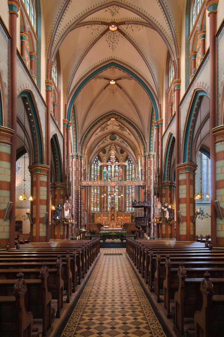 architectuur, interieur, fotografie, OLV kerk in Schalkwijk, fotograaf