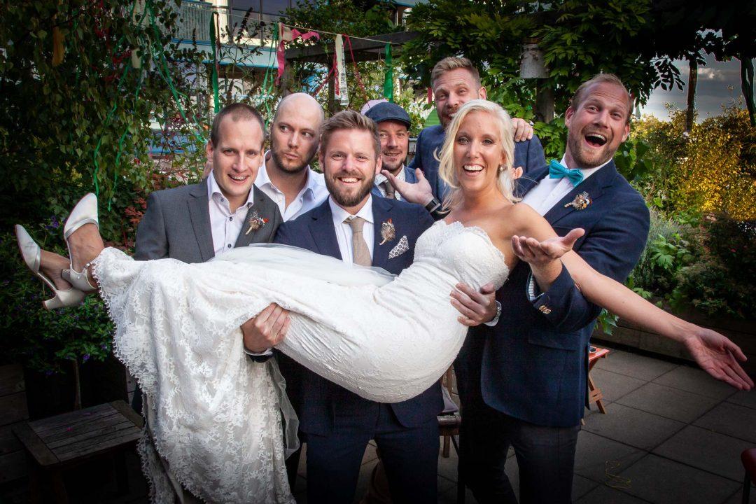 huwelijk, Utrecht, trouwfoto, fotograaf, trouwreportage, huwelijksreportage, bruidsfotograaf, bruid en vrienden